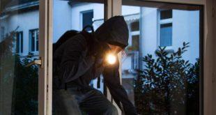 MARZANO APPIO – Ladri in azione in via Papi e via Ceprano