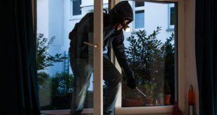 Aversa – Messo in fuga mentre tenta di entrare in un appartamento, ladro 16enne bloccato dai Carabinieri
