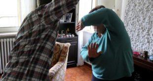 MONDRAGONE – Picchia convivente invalida, arrestato