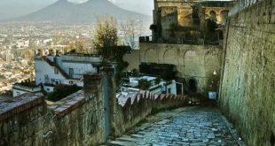 Napoli – La Pedamentina, una passeggiata nel quartiere collinare