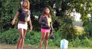 """Immigrazione, le """"invisibili"""" ragazze africane costrette a prostituirsi sulle strade italiane"""