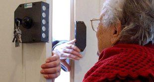 MONDRAGONE – Derubata anziana donna in via Manzoni, indagano i carabinieri