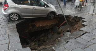 SANTA MARIA CAPUA VETERE – Sprofonda piazza San Pietro, paura fra i residenti