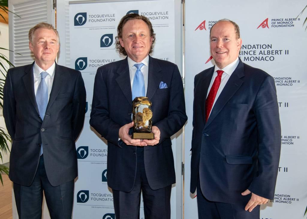 La FPA2 Remet Le Prix de La Philanthropie Innovante à Project C.U.R.E.
