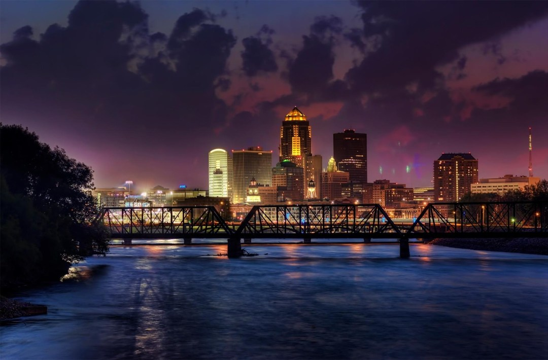 Places You Need To Visit Near Downtown Des Moines Pages Of Travel - My flight to des moines