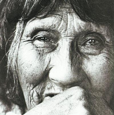 Lola Kiepja en 1966. Foto Anne Chapman