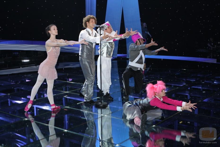 """""""Pequeña"""" gran esperanza en Eurovisión"""
