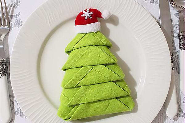 Come Piegare I Tovaglioli A Forma Di Albero Di Natale