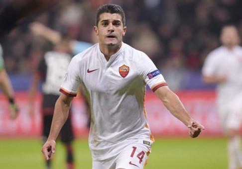 1bayer-roma-iago falque gol esultanza