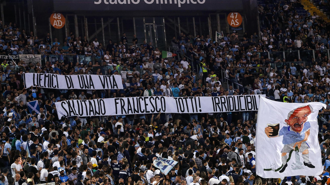 Irriducibili, lettera a Totti: