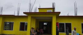 अनुगमन गर्दागर्दै नवनिर्मीत वडा भवनको छतबाट पानी चुहियो
