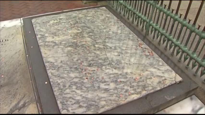 Ben Franklin Grave Update_86188797-159532