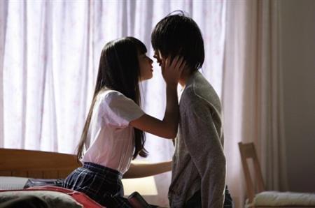 小松菜奈映画「乾き。」キスシーンエロお宝画像