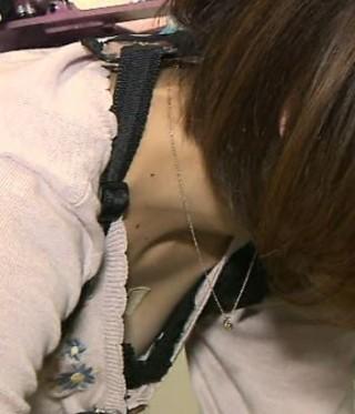 曽田麻衣子アナ乳首ポロリ画像7