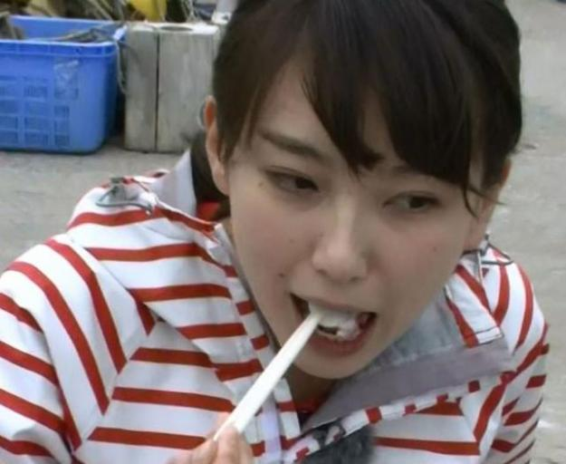 和久田麻由子アナエロいフェラ顔お宝画像