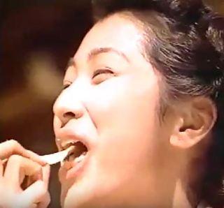 鶴田真由のエロいフェラ顔お宝画像
