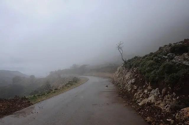 Nebbia nelle montagne dietro Chania