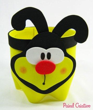passo a passo lembrancinha abelhinha eva porta guloseimas reciclagem garrafa pet aniversario dia das criancas escola (6)