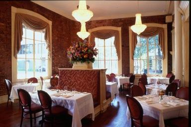 Main dining 300 dpi 0031