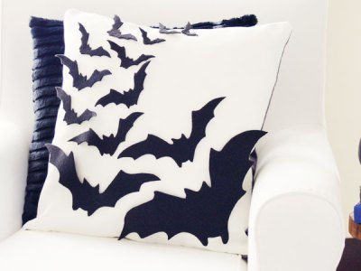 Felt Bat Pillow DIY