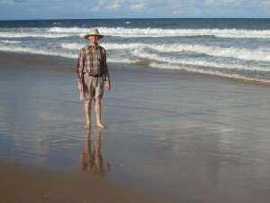 Painting reflections and shadows on wet sand