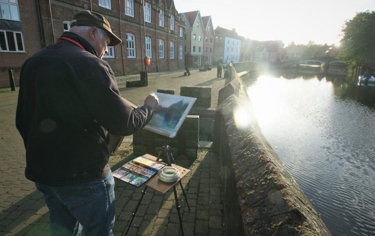 Richard Bond painting in Norwich PON16. Photo by Katy Jon Went