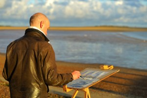 Andrew Horrod painting at Paint Out Wells beach sunrise. Photo by Katy Jon Went