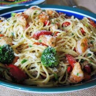 Garlic Shrimp Pasta front view