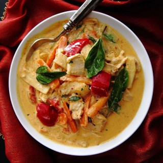 Instant Pot Thai Red Curry Chicken L2 - Paint the Kitchen Red