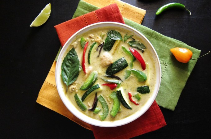 Instant Pot Thai Green Curry with Chicken L2- Paint the Kitchen Red