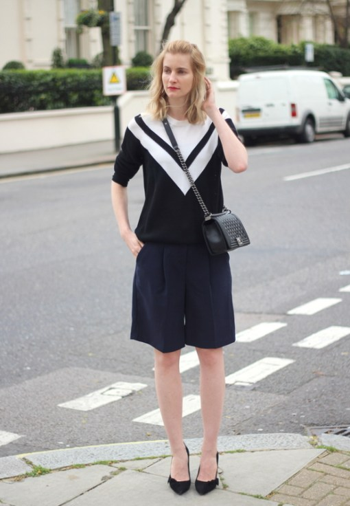 Of course, you coould just go all-out with the nautical-inspired outfit with a sailor-like top and navy blue Bermuda shorts. This will look especially great during summer.