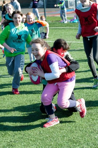 Pupils get to grips with rugby