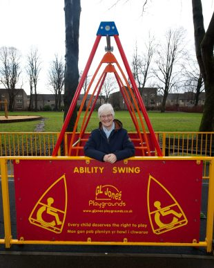 Disabled Swing at robertson Park Renfrew 23.1.23