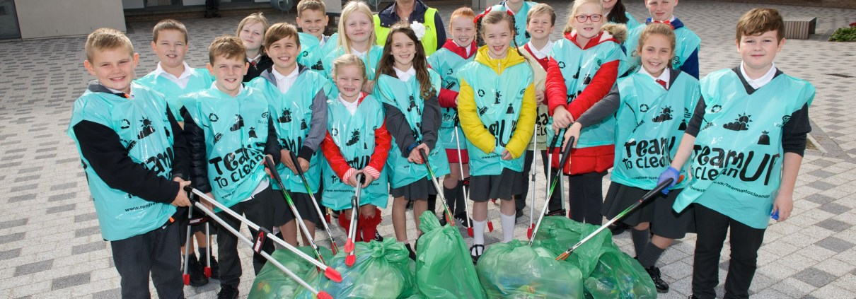 Bargarran Primary clean up (1)