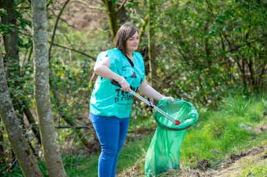 Cllr Natalie Don at Bridge of Weir litter pick