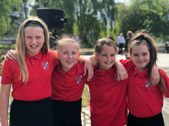 Pupils from Glencoats Primary