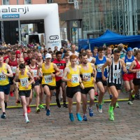 Thousands pound the streets for Paisley 10k and Fun Run