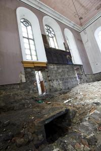 castlehead-church-inside-gutted-43 35173692524 o
