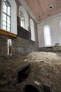 castlehead-church-inside-gutted-44 35971788936 o