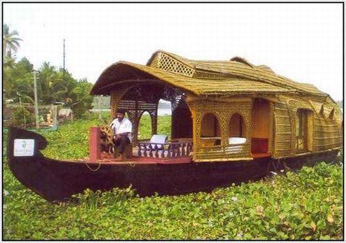 houseboat_kettuvalloms_01