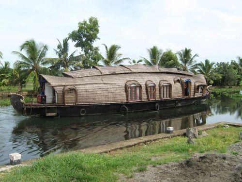 houseboat_kettuvalloms_05