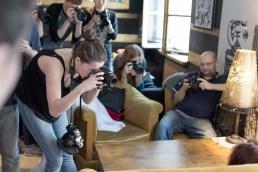 Umawialiśmy się: jeden fotograf robi zdjęcia, reszta czeka na swoją kolej. Ale weź tu czekaj, gdy Sylwia modeluje...