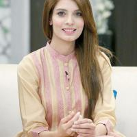 Pakistani hot actress Saeeda Imtiaz