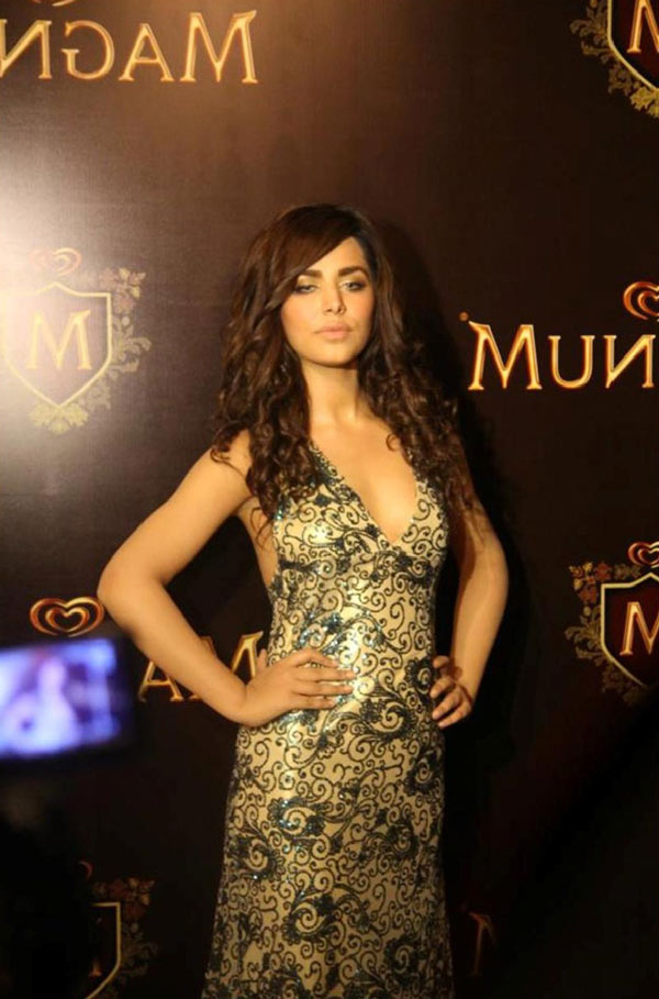 Pakistani super model Ayyan made millions by 'spending time with Arab Sheikhs' (2)