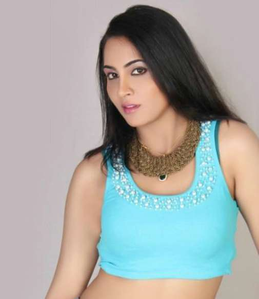 Cheap Tactics Indian Model Arshi Khan claiming that she slept with Shahid Afridi (2)