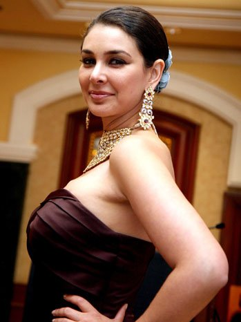 Lisa Ray  Proud of her body but still has to struggle with body-shaming (4)