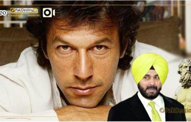 """""""Treacherous"""" Sidhu goes all praise for Imran Khan. Calls him """"Bigger than a Greek God"""""""