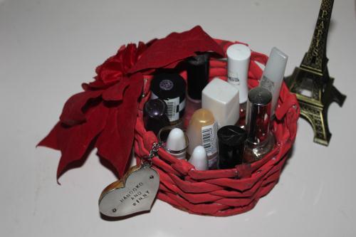 organizer alat makeup sederhana