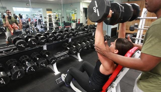 Ile razy trenować w tygodniu na siłowni