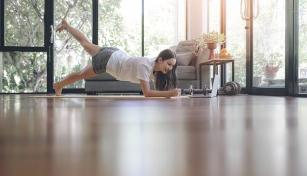 trening w domu gimnastyka